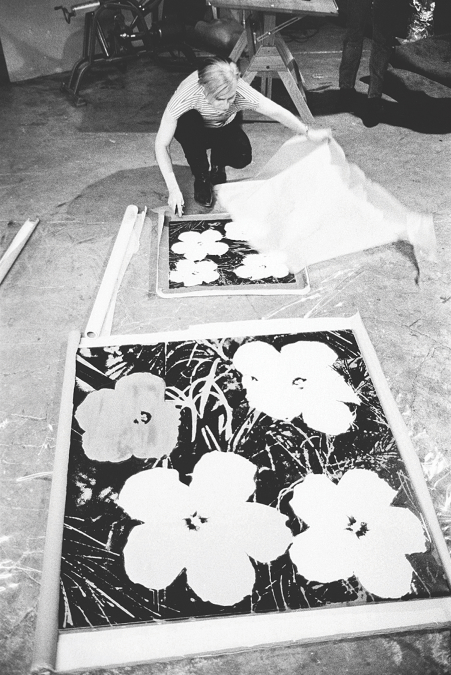 046-Warhol-silk-screening-Flowers-first-shown-at-Leo-Castelli-Gallery-1964